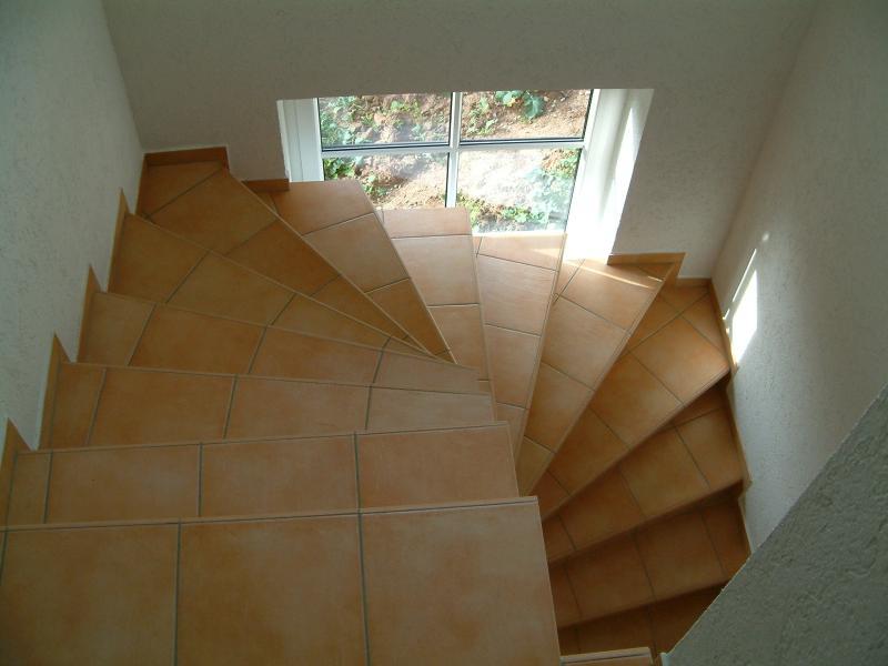 Treppe fliesen anleitung treppe fliesen anleitung video - Treppe fliesen mit schiene anleitung ...